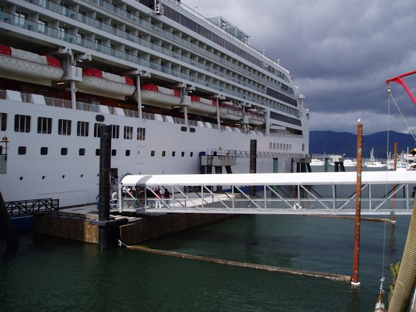 Passenger Gangway System for Northland Cruise Dock